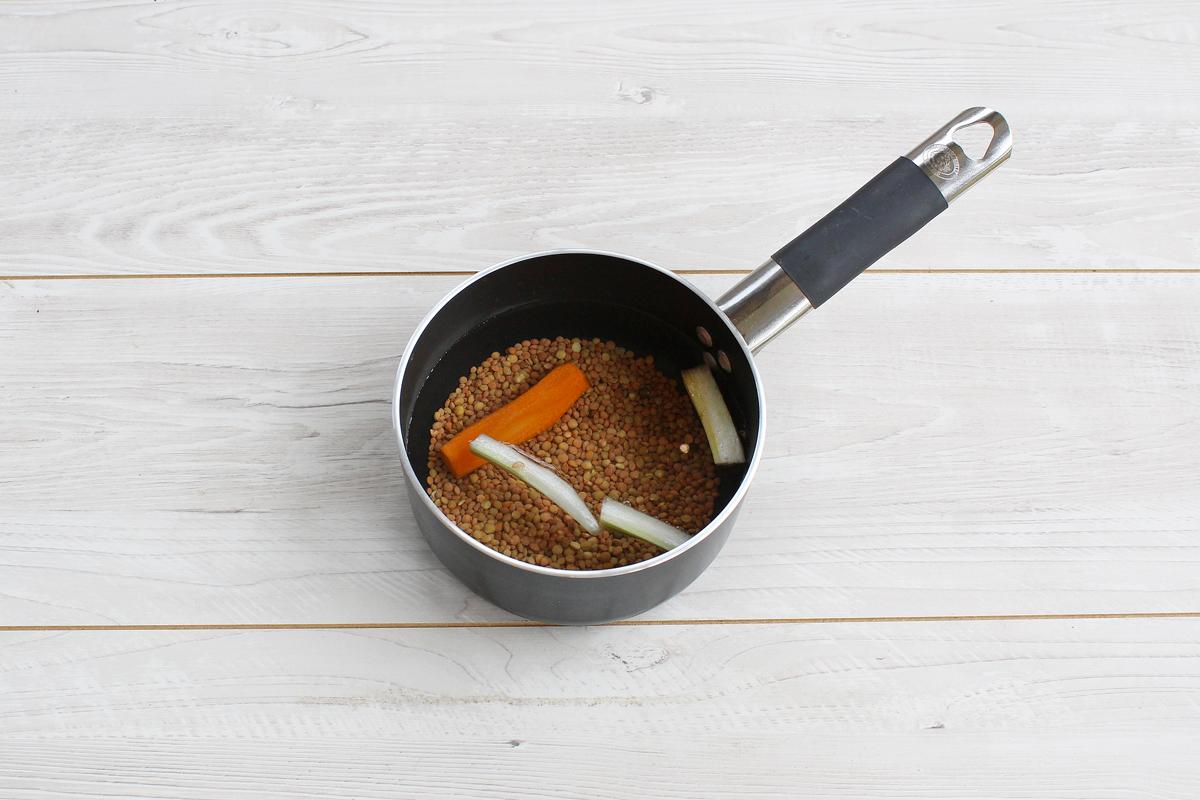 Stelle di sfoglia con lenticchie e cotechino